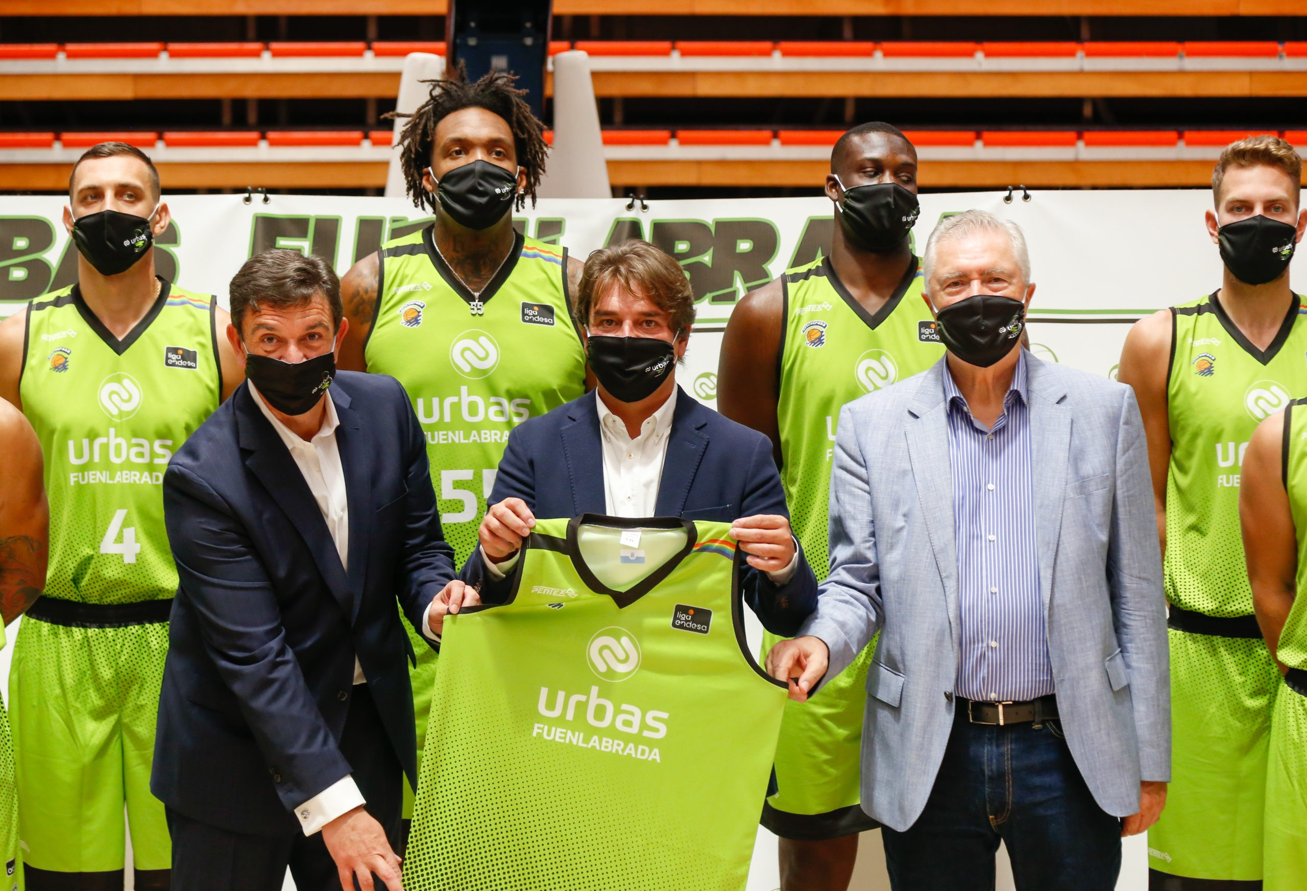 Los presidentes de Urbas y Basket Fuenlabrada presentan la nueva equipación