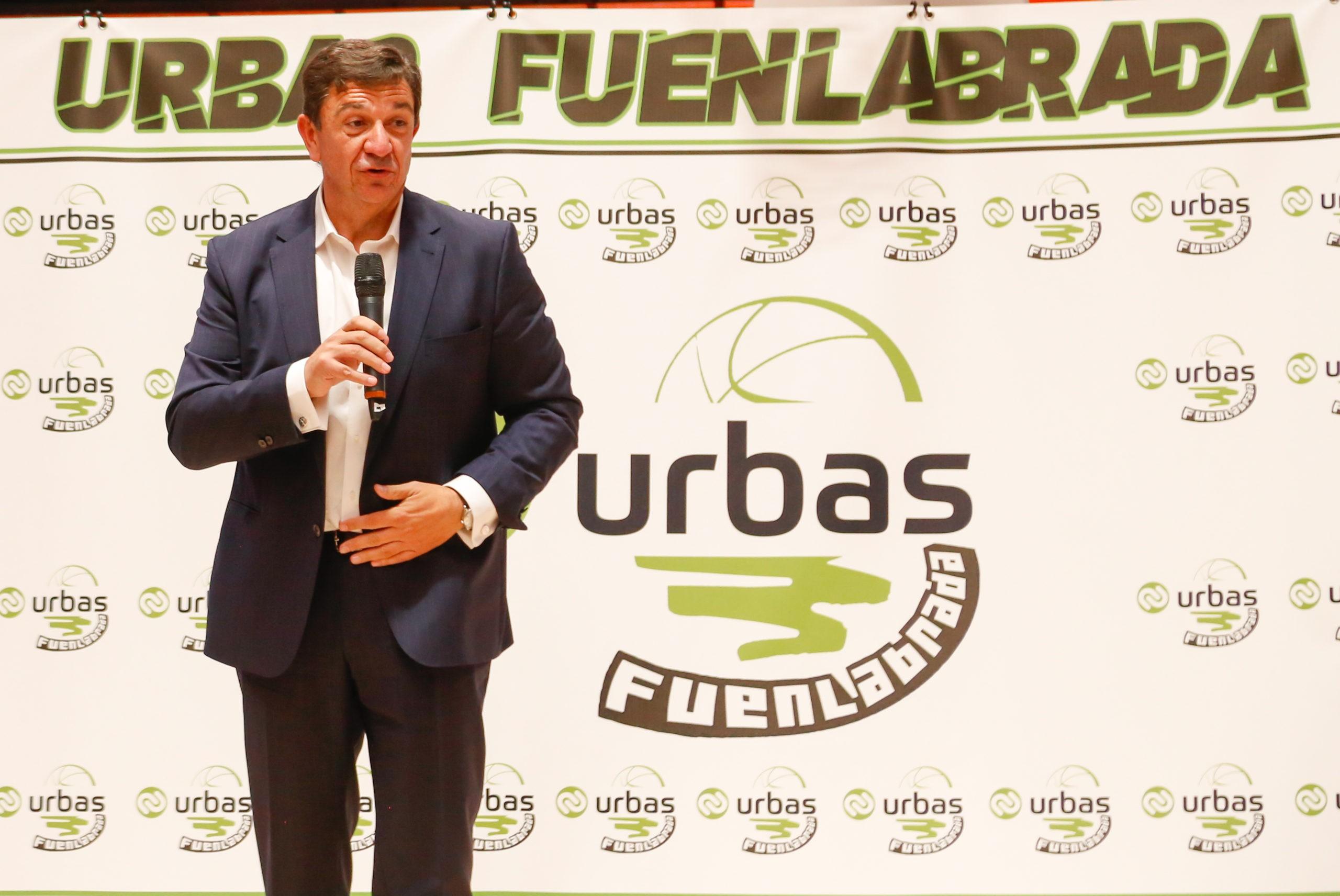 Presidente de Urbas, Juan Antonio Acedo Fernandez en la presentación del equipo Urbas-Fuenlabrada